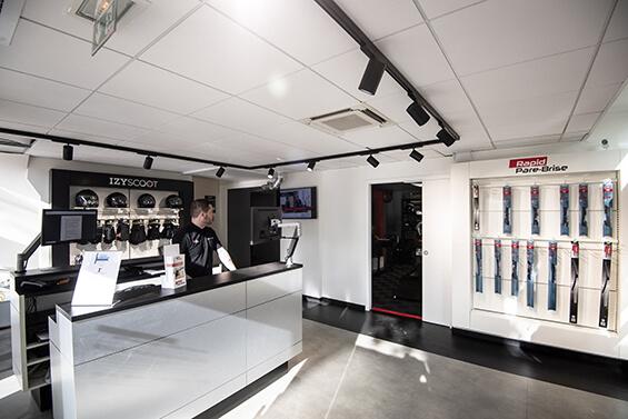 ITM Automobile ouvre un Centre Izyscoot couplé à un espace Rapid Pare-Brise